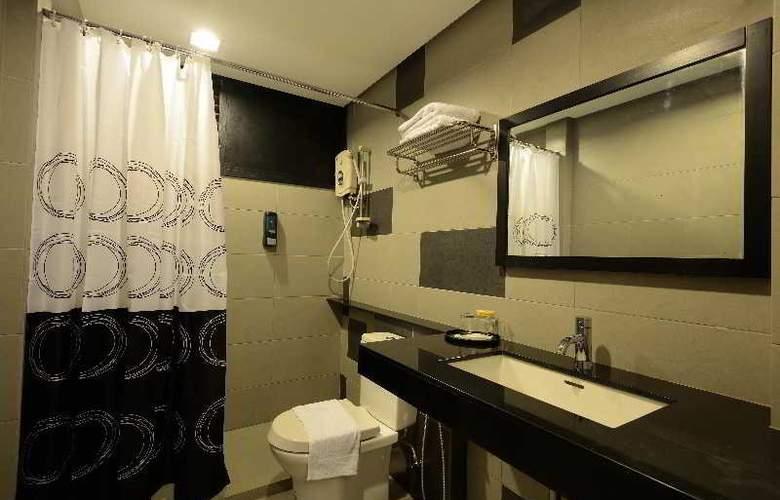 Hotel Waterfall Penang - Room - 12