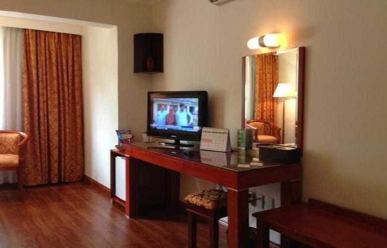 Imperial Garden Villa & Hotel Phnom Penh - Room - 22