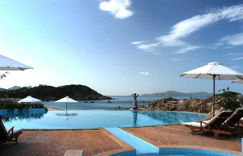 Avani Quy Nhon Resort & SPA - Pool - 3