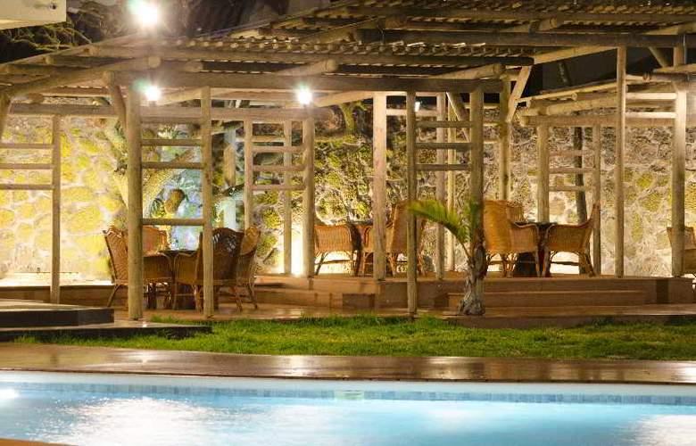 Silver Beach - Pool - 6