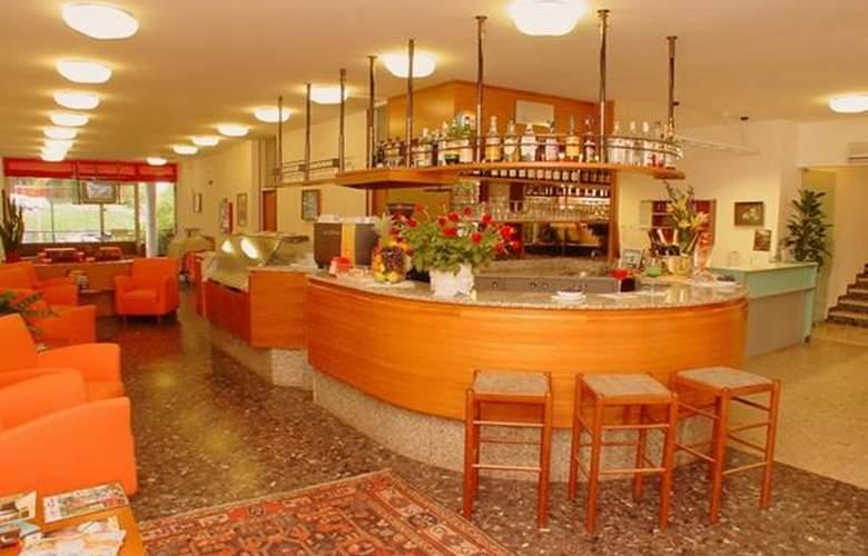 Regina - Hotel - 1