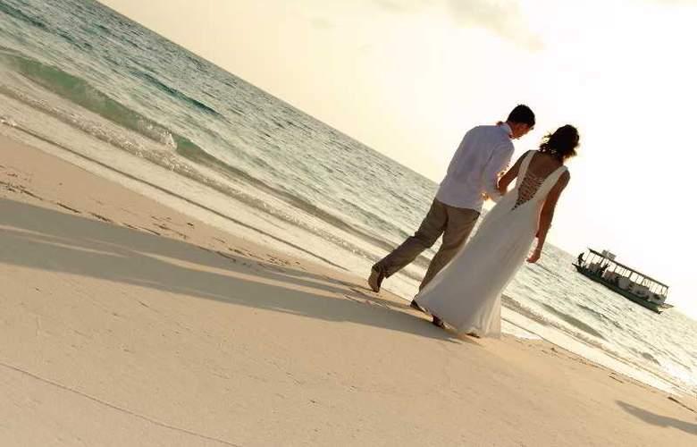 Palm Beach Resort & Spa Maldives - Hotel - 10