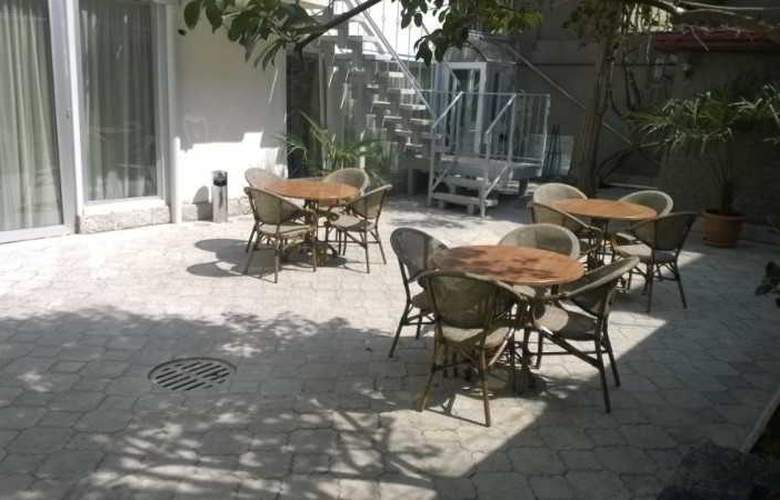 Rustaveli Palace - Terrace - 1