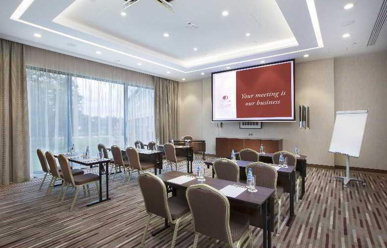 DoubleTree by Hilton Warsaw - Conference - 26