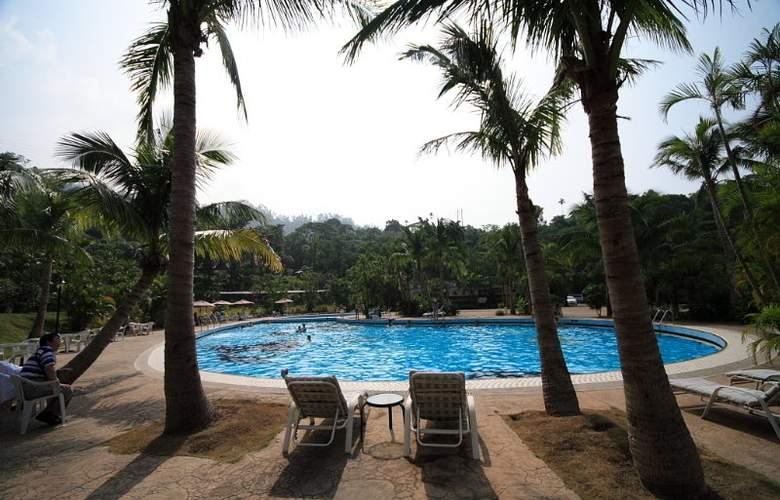 Hibiscus Resort - Pool - 7