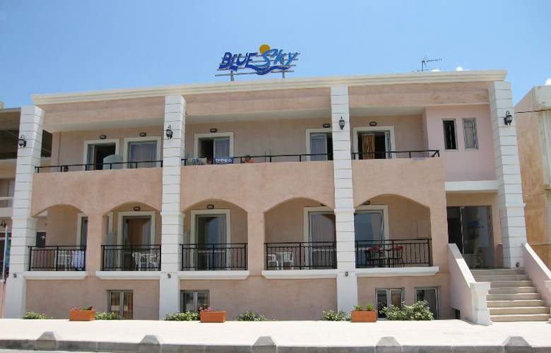 Blue Sky Apartments - Hotel - 0