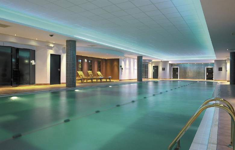 Radisson Blu Leeds City Centre - Pool - 3