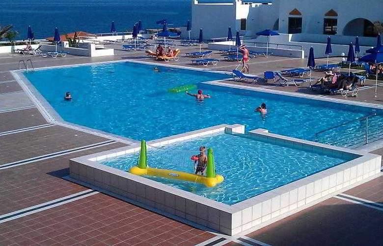 Alfa Beach Hotel - Pool - 3