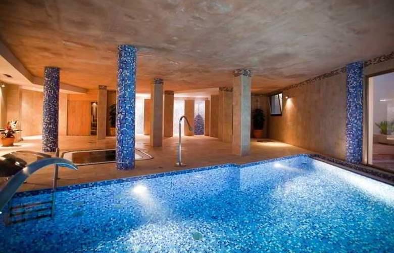Azul Playa - Pool - 12