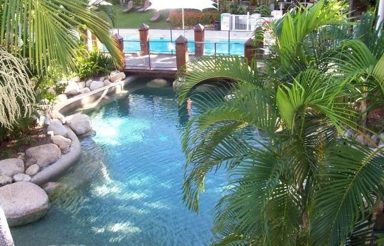Alamanda Palm Cove by Lancemore - Pool - 14