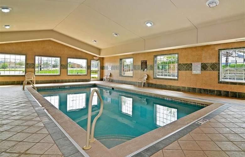 Best Western Executive Inn & Suites - Pool - 128