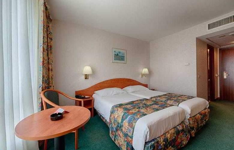 Ramada Parc - Room - 10