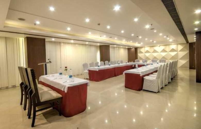 Golden Tulip Jaipur - Hotel - 7
