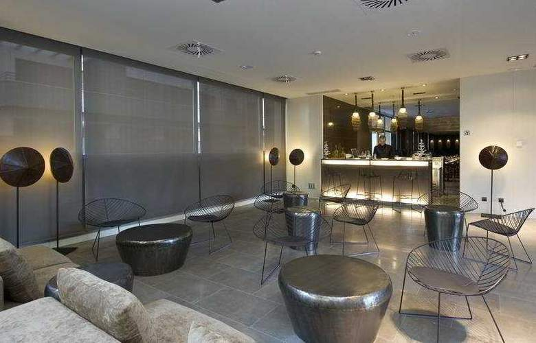 Rafaelhoteles Forum Alcala - Bar - 3