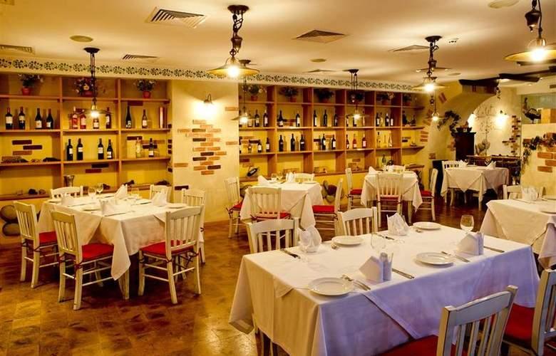 Best Western Premier Collection City Sofia - Restaurant - 86
