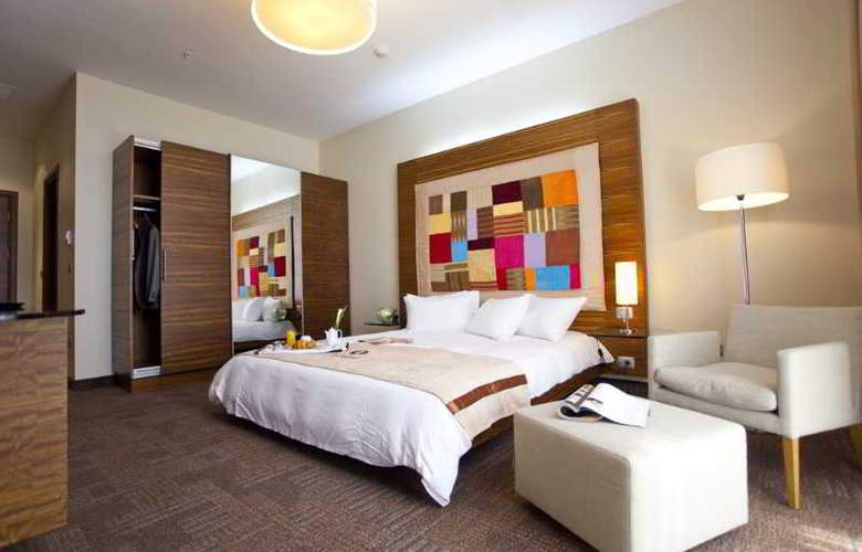 Landmark Hotel - Room - 4