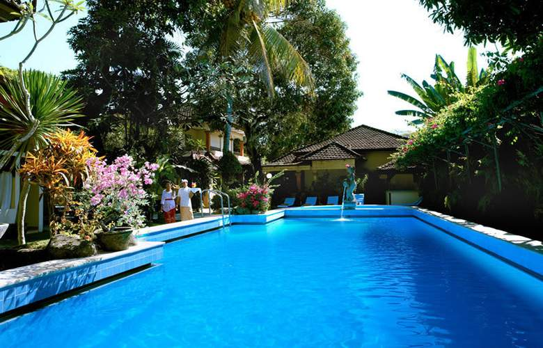Diwangkara Holiday Villa Beach Resort & Spa - Pool - 10