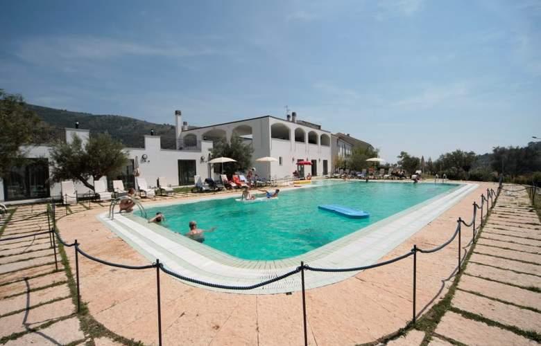 Castellaro Golf Resort - Pool - 2