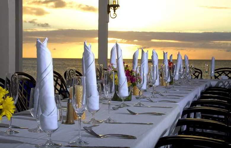 Sand Castle on the Beach - Restaurant - 33
