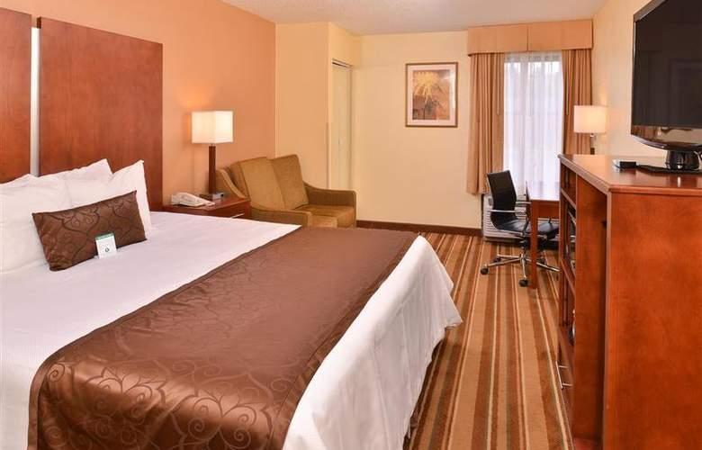 Best Western Plus Richmond Airport Hotel - Room - 104