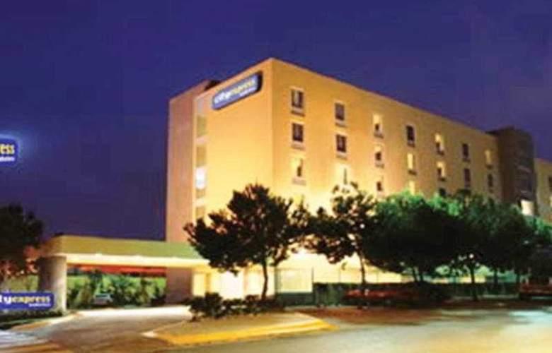 City Express Toluca - Hotel - 0