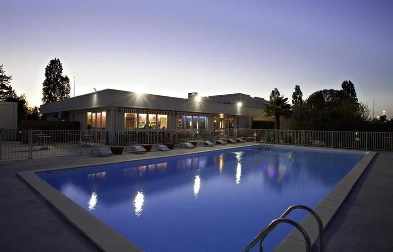 Best Western Bordeaux Aeroport - Pool - 4