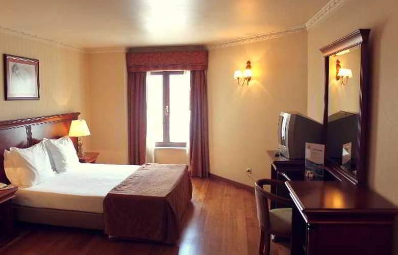 Turim Lisboa - Room - 17