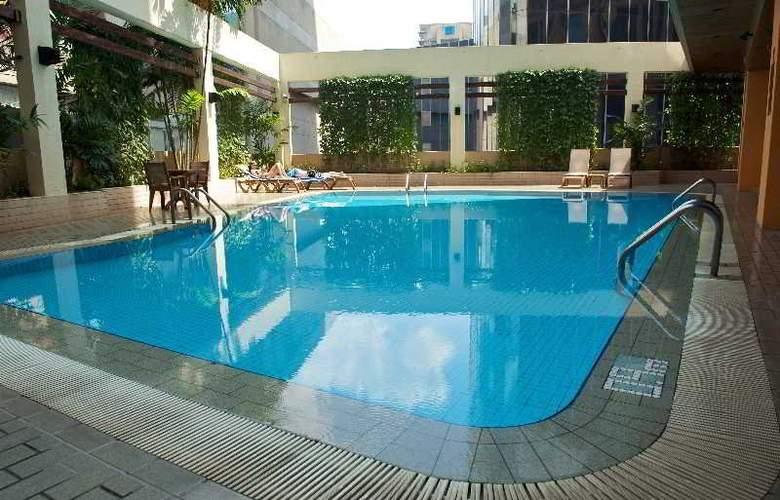 Meliá Kuala Lumpur - Pool - 16