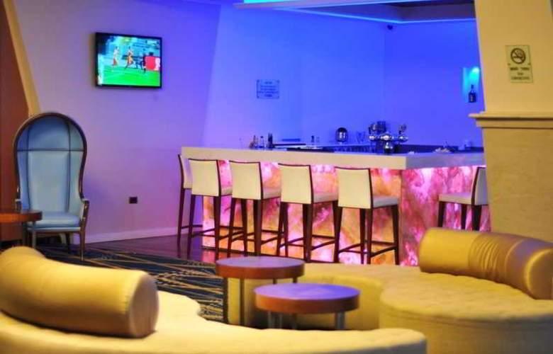 Renaissance Hotel Tel Aviv - Bar - 4