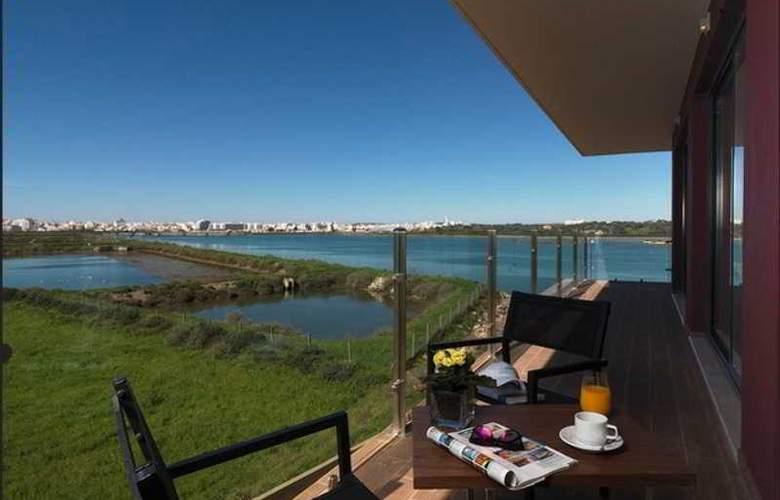 Agua Hotels Riverside - Terrace - 27