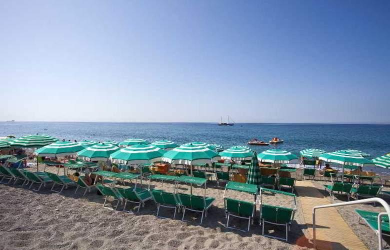 Parco Smeraldo - Beach - 10