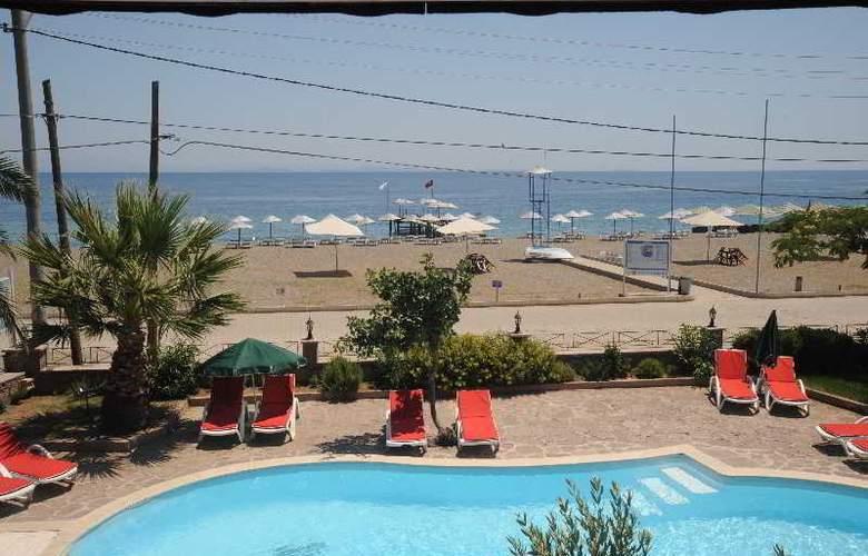 Assos Eden Beach - Pool - 3