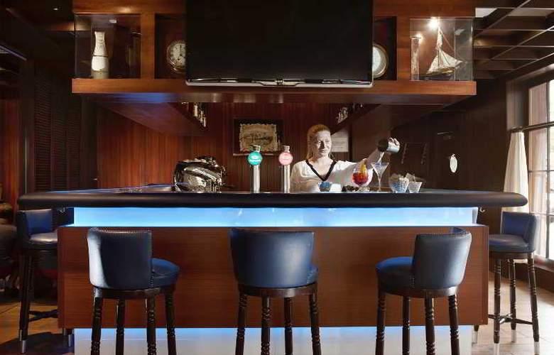 Holiday Inn Lugano Centre - Bar - 25