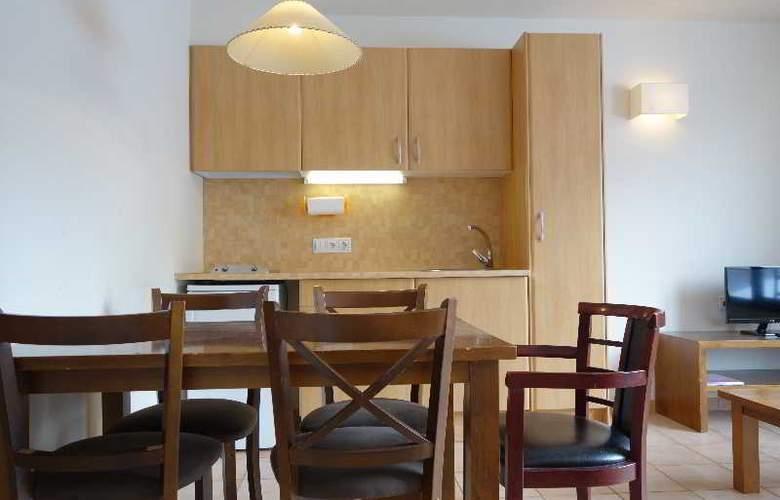 La Serrera Apartamentos - Room - 9