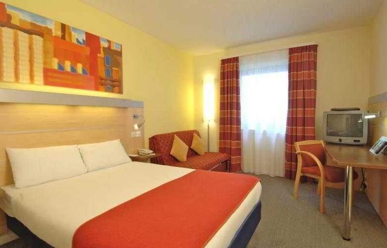 Holiday Inn Express Stevenage - Room - 5