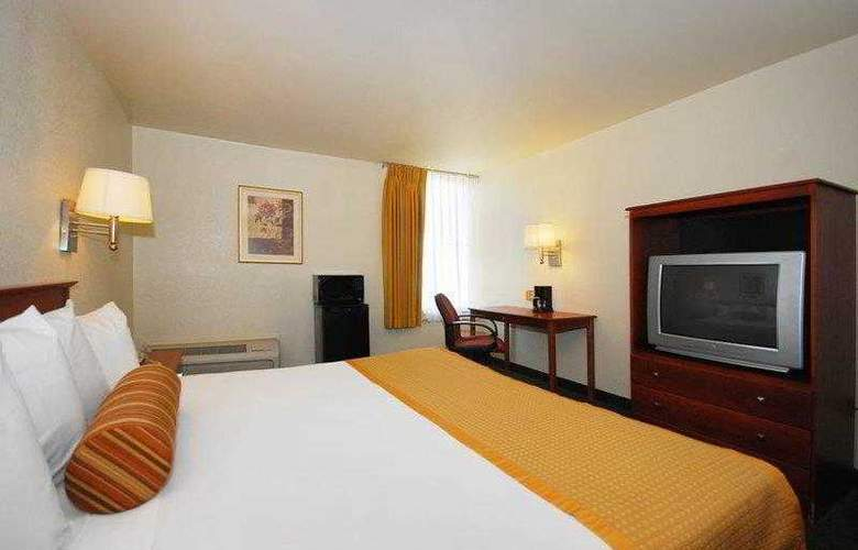 Best Western East Brunswick Inn - Hotel - 6