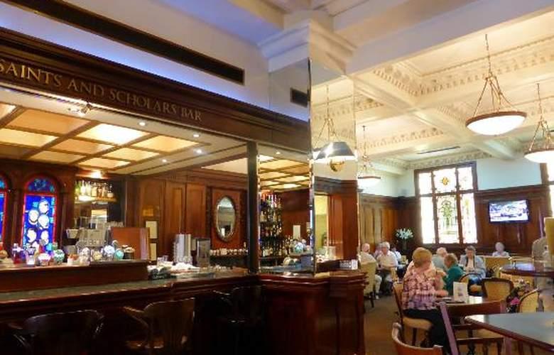 Wynn's Hotel - Bar - 2