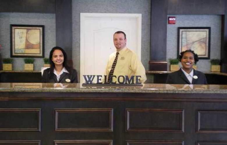 Hilton Garden Inn Winston-Salem - Hotel - 3