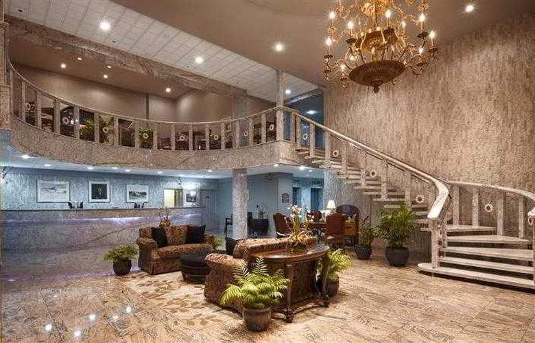 Best Western Plus Concordville Hotel - Hotel - 72