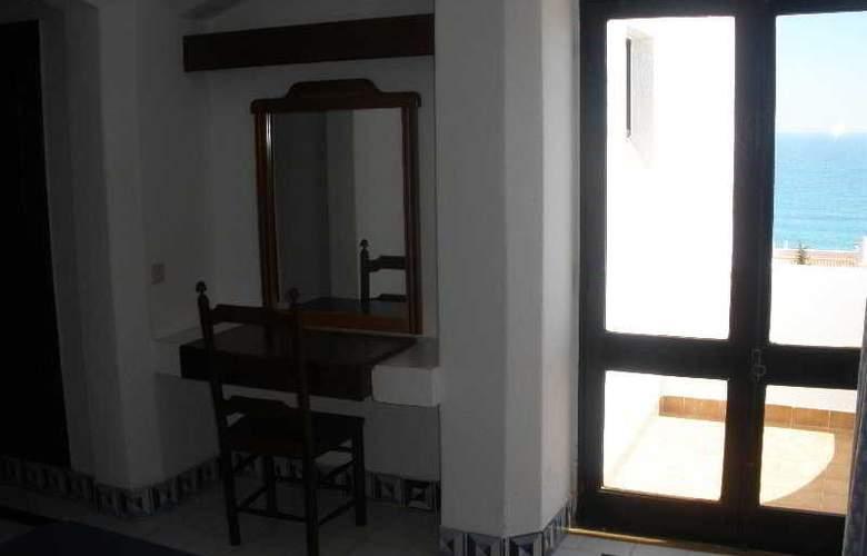 Golden Beach Apartaments - Room - 3