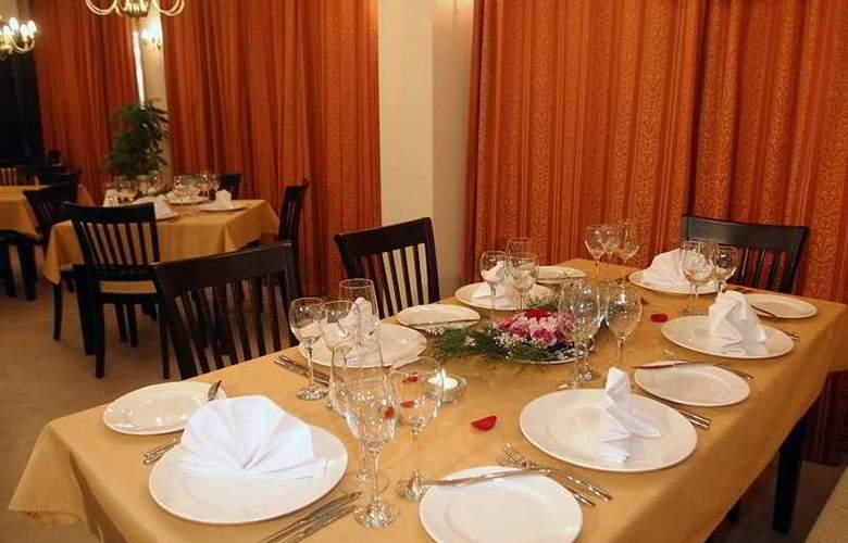 Royal Towers - Restaurant - 10
