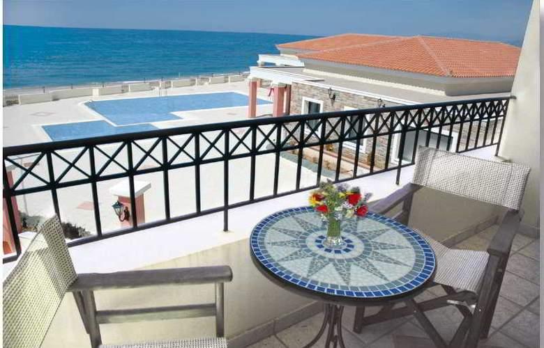 Euroxenia Messina Mare - Terrace - 9