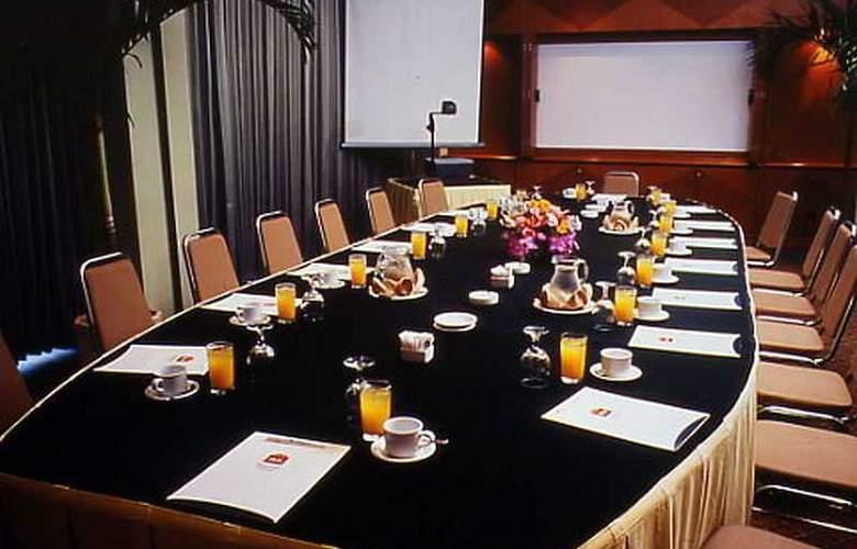 Ibis Rajawali - Conference - 19