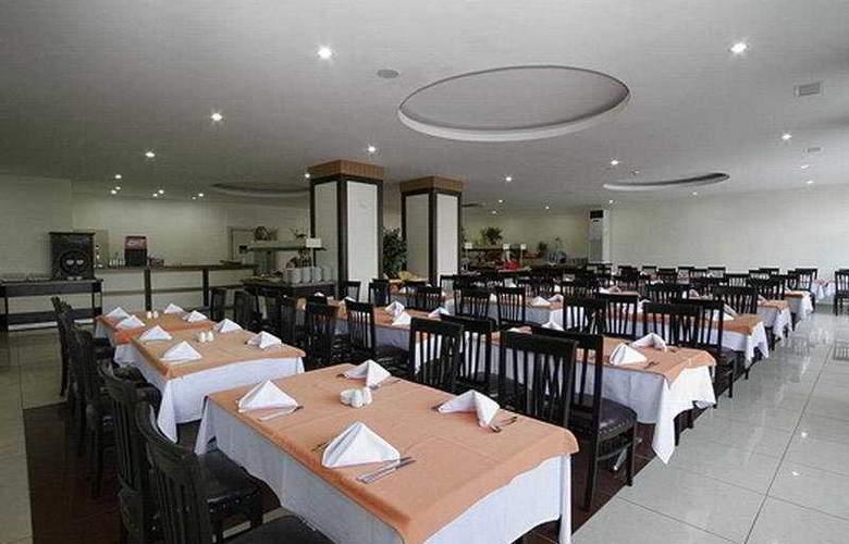 Lims Bona Dea Beach Hotel - Restaurant - 10