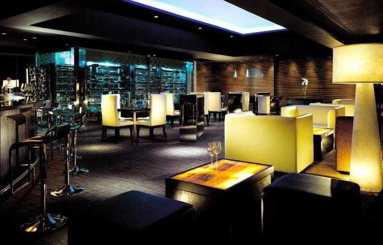 Le Meridien Jakarta - Bar - 42