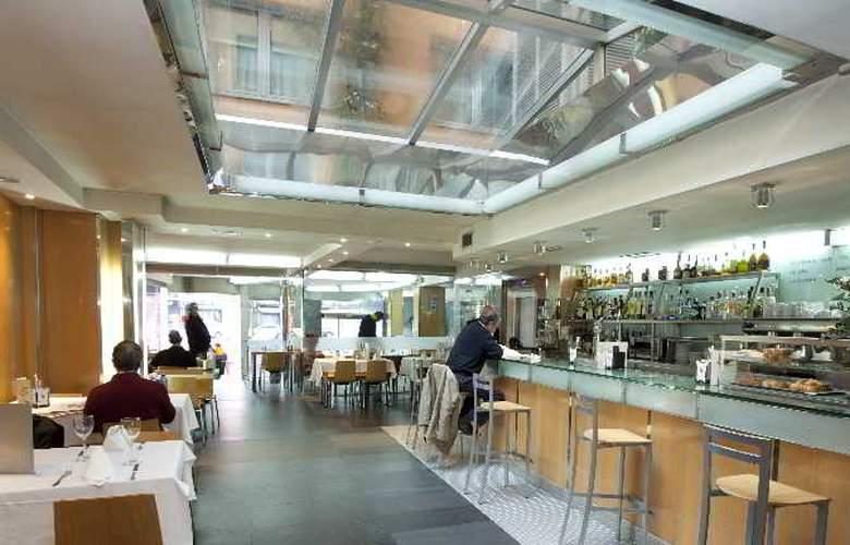 Plaza - Restaurant - 9