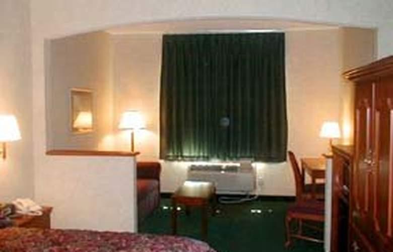 Comfort Suites (Danville) - Room - 3