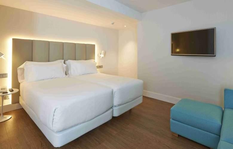 NH Sants Barcelona - Room - 2