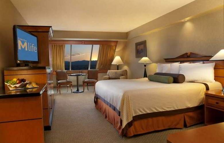 Luxor Hotel and Casino - Room - 4