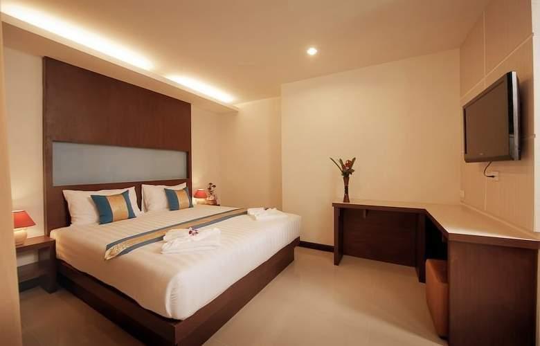 Blue Sky Patong Hotel - Room - 9